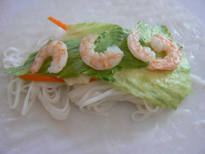 roll the salad in the rice paper