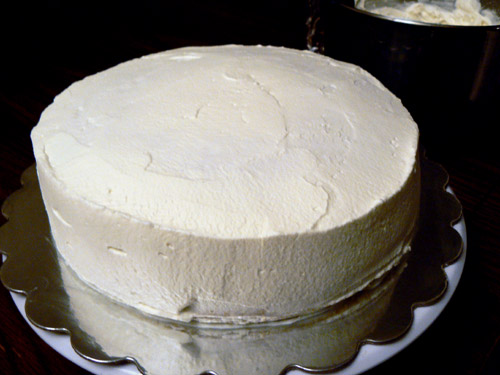 whipping cream on Chinese cake